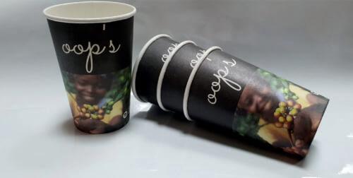 Бумажные стаканчики со стандартной печатью готовые со